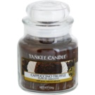 Yankee Candle Cappuccino Truffle dišeča sveča  104,5 g Classic majhna