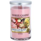 Yankee Candle Fresh Cut Roses vela perfumada  340 g Décor Medium
