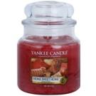 Yankee Candle Home Sweet Home illatos gyertya  411 g Classic közepes méret