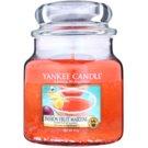 Yankee Candle Passion Fruit Martini dišeča sveča  411 g Classic srednja
