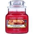 Yankee Candle Rhubarb Crumble dišeča sveča  105 g Classic majhna
