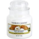 Yankee Candle Soft Blanket illatos gyertya  104 g Classic kis méret