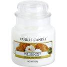 Yankee Candle Soft Blanket vonná sviečka 104 g Classic malá