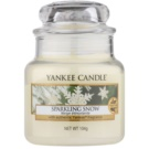 Yankee Candle Sparkling Snow Duftkerze  104 g Classic mini