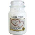 Yankee Candle Snow in Love dišeča sveča  623 g Classic velika