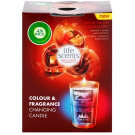 Air Wick Life Scents Color & Fragrance Changing vonná svíčka 140 g  (Cozy by the Fire)