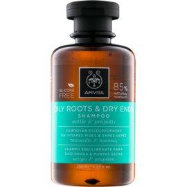 Apivita Holistic Hair Care Nettle & Propolis champô para couro cabeludo oleoso e pontas secas   ml