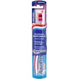 Aquafresh 3 Way Head zubní kartáček medium