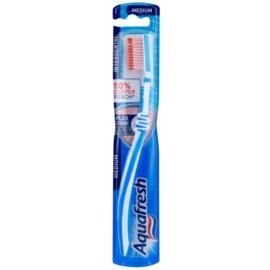 Aquafresh Interdental зубна щітка середньої жорсткості