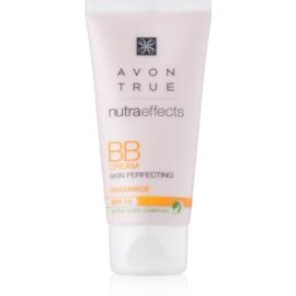 Avon True NutraEffects posvetlitvena BB krema SPF 15 odtenek Medium 30 ml