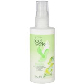 Avon Foot Works Beautiful spray refrescante para pés com lima e açúcar de cana  100 ml