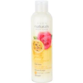 Avon Naturals Body hydratisierende Körpermilch mit Maracuja und Pfingstrose  200 ml