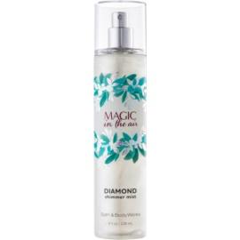 Bath & Body Works Magic In The Air spray pentru corp pentru femei 236 ml strălucitor