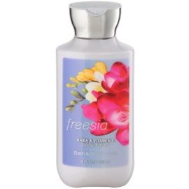 Bath & Body Works Freesia leite corporal para mulheres 236 ml
