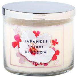 Bath & Body Works Japanese Cherry Blossom vonná svíčka 411 g