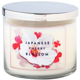 Bath & Body Works Japanese Cherry Blossom vonná svíčka 411 g