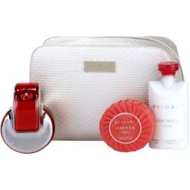 Bvlgari Omnia Coral darilni set V.  toaletna voda 65 ml + losjon za telo 75 ml + milo 75 g + kozmetična torbica 1 ks