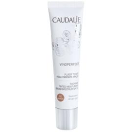 Caudalie Vinoperfect aufhellendes Tönungsfluid mit feuchtigkeitsspendender Wirkung Farbton 02 Medium SPF 20  40 ml