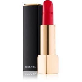 Chanel Rouge Allure Velvet barra de labios con textura de terciopelo con efecto mate tono 56 Rouge Charnel  3,5 g