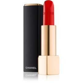 Chanel Rouge Allure Velvet barra de labios con textura de terciopelo con efecto mate tono 57 Rouge Feu  3,5 g