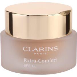Clarins Face Make-Up Extra-Comfort maquillaje rejuvenecedor e iluminador para proporcionar un aspecto natural SPF 15 tono 107 Beige  30 ml