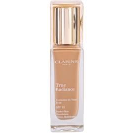 Clarins Face Make-Up True Radiance озаряващ хидратиращ фон дьо тен за съвършен вид SPF 15 110,5 Almond  30 мл.