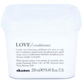 Davines Love Almond acondicionador para cabello ondulado  250 ml