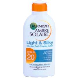 Garnier Ambre Solaire Light & Silky mleczko do opalania SPF 20  200 ml