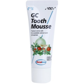 GC Tooth Mousse Strawberry crema protectora remineralizante para dientes sensibles  sin flúor para uso profesional  35 ml