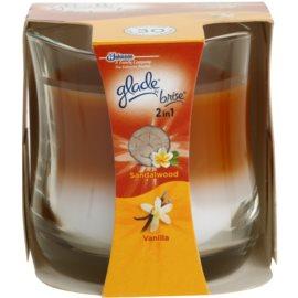 Glade Sandalwood and Vanilla vonná svíčka 135 g