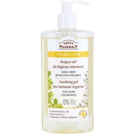 Green Pharmacy Pharma Care Oak Bark Chamomile beruhigendes Gel für die intime Hygiene  300 ml