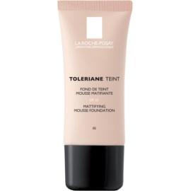 La Roche-Posay Toleriane Teint mattierendes Schaum-Make-up für fettige und Mischhaut Farbton 02 Light Beige SPF 20  30 ml