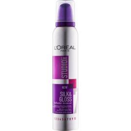 L'Oréal Paris Studio Line Silk&Gloss Volume Schuim  voor Volume en Glans   200 ml