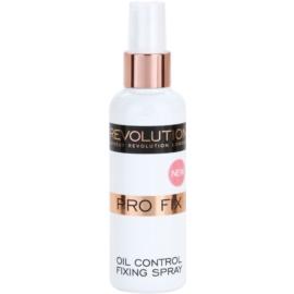 Makeup Revolution Pro Fix матиращ и фиксиращ спрей върху фон дьо тен  100 мл.