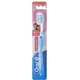 Oral B 3-Effect Delicate White zubná kefka medium Light Blue