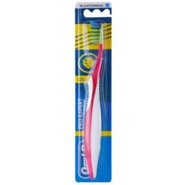 Oral B Pro-Expert CrossAction Antibacterial zubní kartáček soft Pink