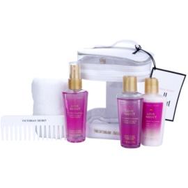 Victoria's Secret Love Addict ajándékszett II. testápoló tej 60 ml + tusfürdő gél 60 ml + szórja a test 60 ml + törülköző  + fésű