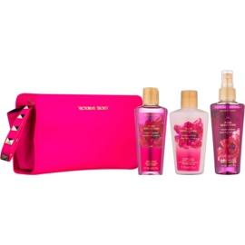 Victoria's Secret Pure Seduction Red Plum & Fresia  lote de regalo I.  spray corporal 125 ml + gel de ducha 125 ml + leche corporal 125 ml + bolsita