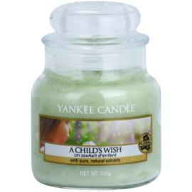 Yankee Candle A Child's Wish vonná svíčka 104 g Classic malá