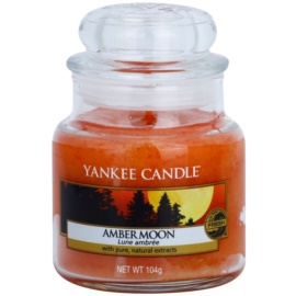 Yankee Candle Amber Moon vonná sviečka 104 g Classic malá