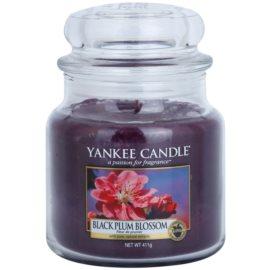 Yankee Candle Black Plum Blossom vonná sviečka 411 g Classic stredná