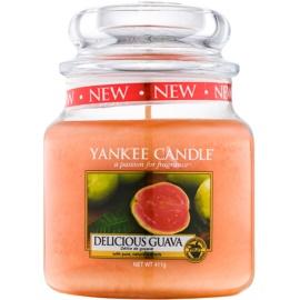 Yankee Candle Delicious Guava illatos gyertya  411 g Classic közepes méret