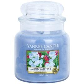 Yankee Candle Garden Sweet Pea lumanari parfumate  411 g Clasic mediu