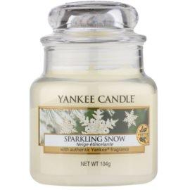 Yankee Candle Sparkling Snow vonná sviečka 104 g Classic malá