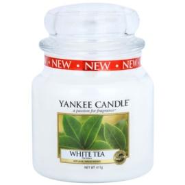 Yankee Candle White Tea vonná svíčka 411 g Classic střední