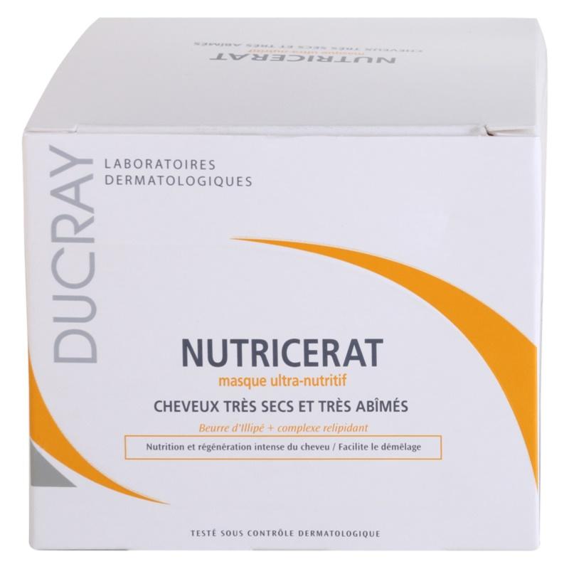 Dessen Mangel des Vitamins zum Haarausfall führt