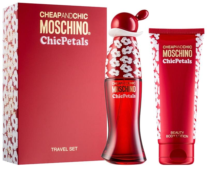 Moschino Cheap & Chic Chic Petals, Gift Set IV. | notino.co.uk